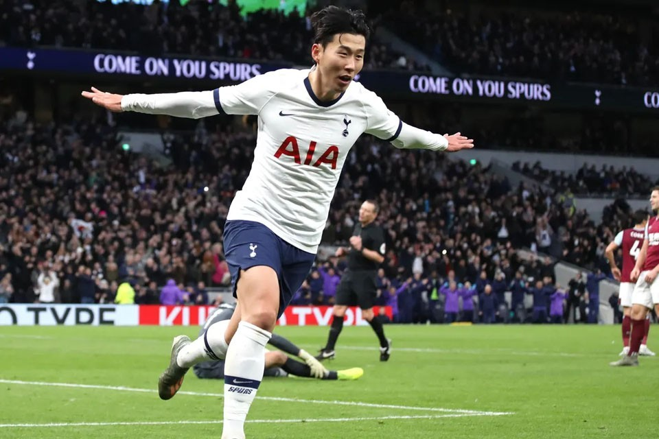 AFC President Congratulates Son Heung-min On Winning FIFA Puskás Award